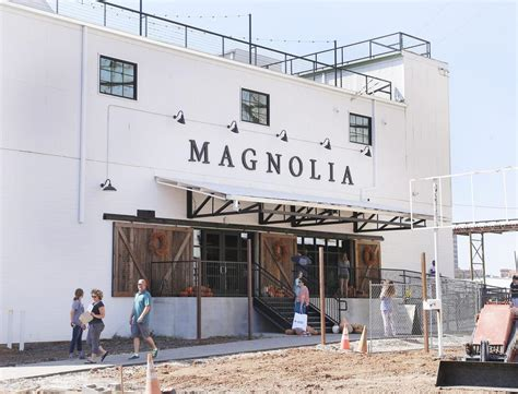 waco texas magnolia surprise soft opening draws house proud hordes to magnolia