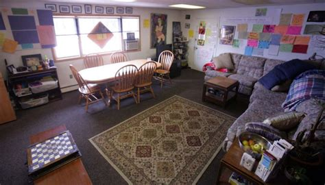 Living Room Drop In Center Fairbanks Youth Shelters See Surge In Use Local News