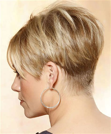 short stacked bod with sides above ear kratka kosa
