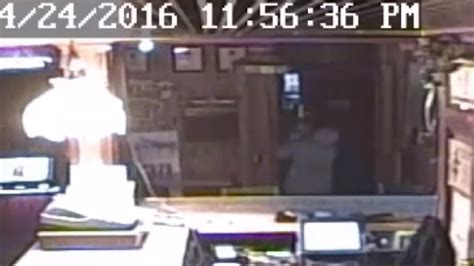 lincoln county sheriffs office burglar slams into door during escape deputies ask for