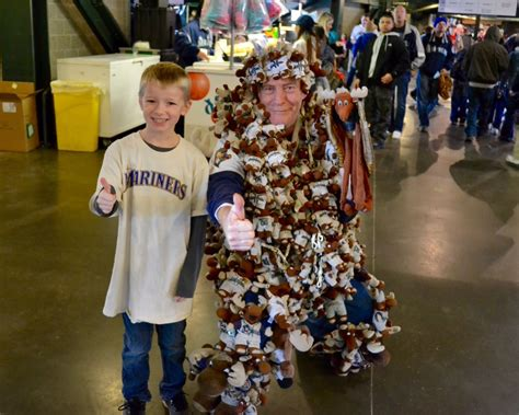 seattle mariners fan fest a treat for families seattle mariners fanfest returns for
