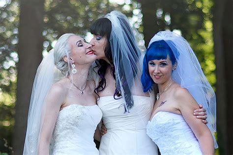 Hochzeit Zu Dritt by Married Throuple Expecting Child New