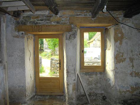 Impressionnant Bardage Bois Maison Ancienne #8: Rénovation-maison-ancienne-fenêtre-et-porte-fenêtre-chêne-massif-vitrage-grand-jour.jpg