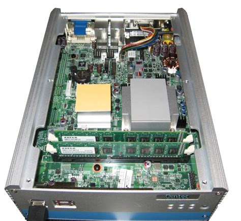 Vga Intel I7 nise 3500 intel 174 core i7 i5 fanless system with vga dvi d esata and one expansion slot ab