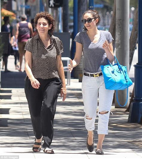 emmy rossum father emmy rossum describes childhood raised by single mother