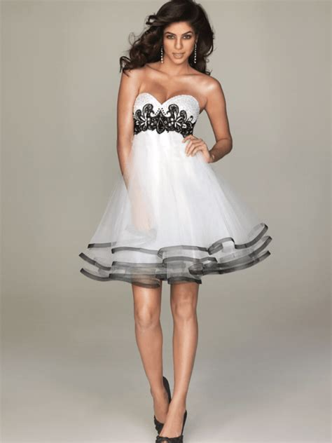 White Sort Wedding Dresses by Black And White Wedding Dress With Sweetheart