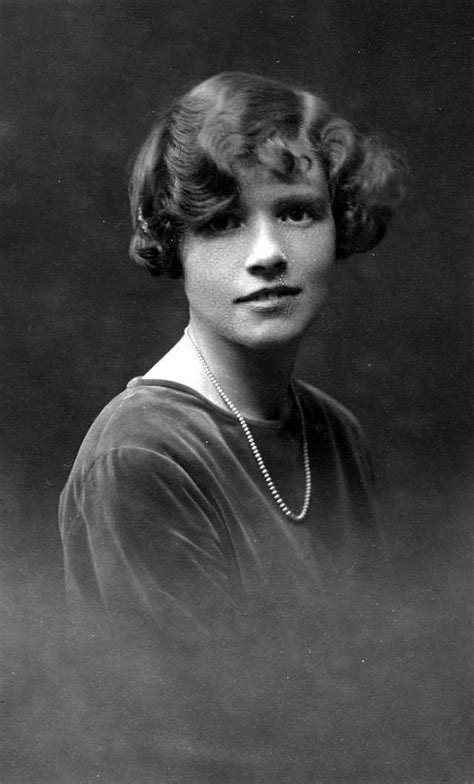 names of 1920s hairstyles retro fashion women fashionable hairstyles from the 1920s