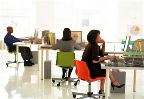 Office Space Move Your Desk Make Your Office Space Work For You Dailyworth