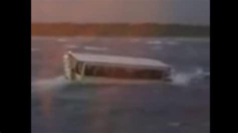 duck boat sank youtube ride the ducks boat sinks killing 17