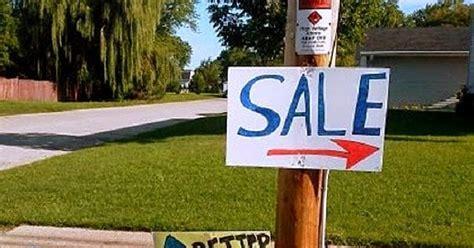Garage Sales Ok by Garage Sale Sign Of The Week Dueling Garage Sale Signs