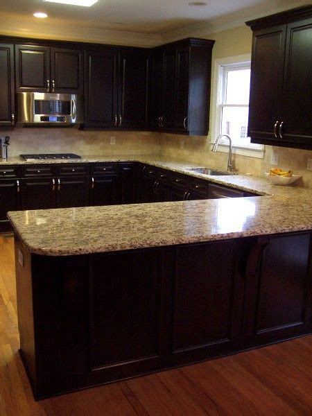 kitchen cabinet countertop color combinations dark and light kitchen love the color combo of cabinet