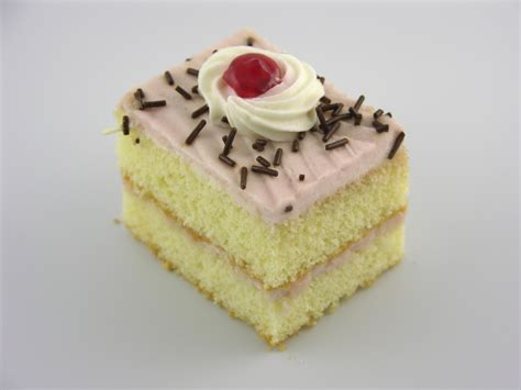 Online Shopping For Home Decoration by Raspberry Cake Pastry Classic Bakery