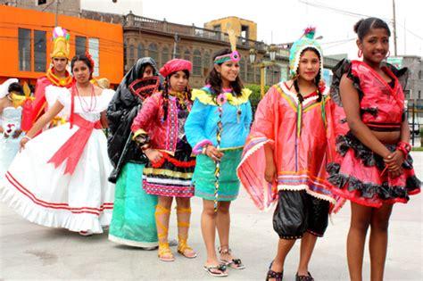 trajes tipicos de la region con material reciclado apexwallpapers como hacer trajes tipicos del per 250 con material reciclado