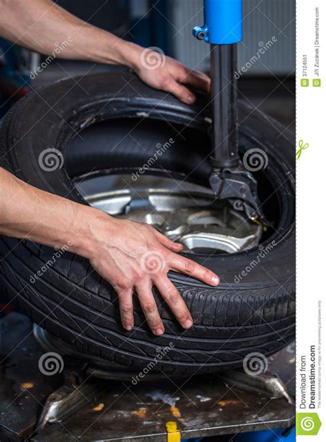 Changing Car Tires Cost Changing Tires Stock Image Image 37124551