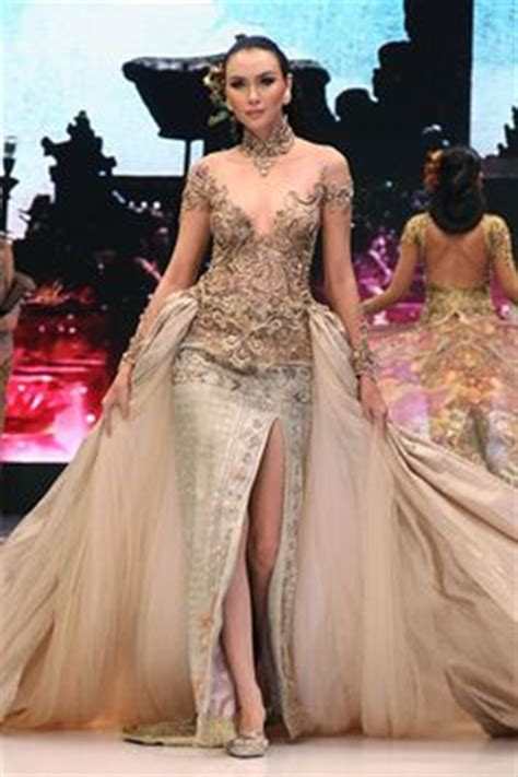 desain dress batik anne avantie 1000 images about kebaya and batik indonesia on pinterest