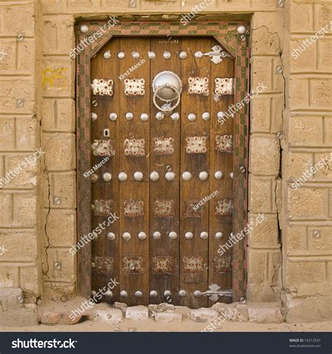 arabic door colorful doors pinterest traditional old arabic style door timbuktu stock photo