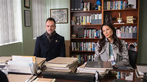cbs renews 11 returning series no decision on criminal cbs renews elementary and the amazing race hollywood