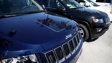 Chrysler Jeep Recall Chrysler Recalls 184 000 Suv S With Airbag Problem Oct