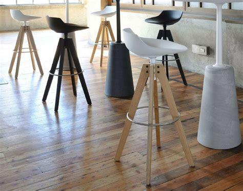 sgabelli moderni per cucina sgabelli moderni alcune idee per arredare la cucina id 224