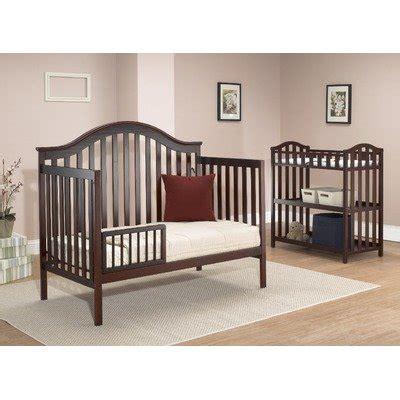 Sorelle Lynn 4 In 1 Convertible Crib W Changing Table Sorelle Changing Table