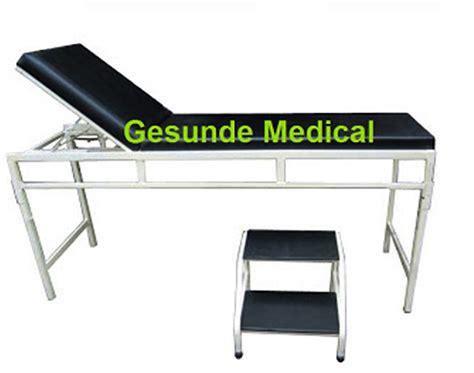 Meja Gynaecology Besi ranjang periksa untuk pasien