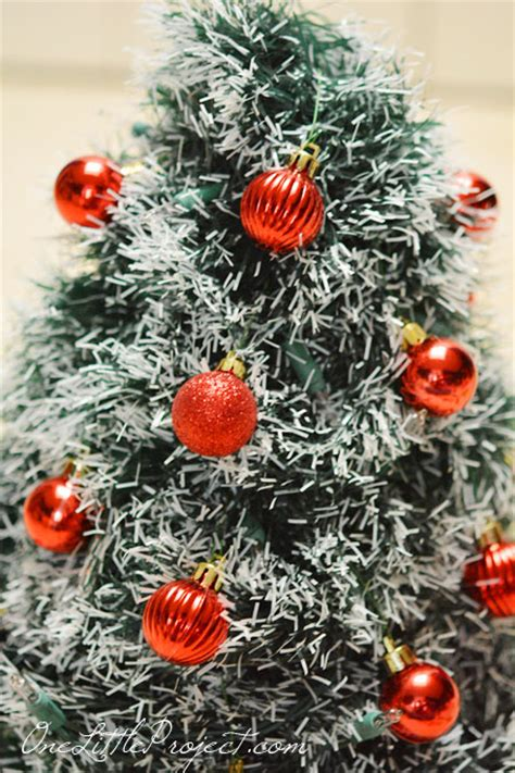 christmasbtrees out of hangers diy wire hanger tree tutorial