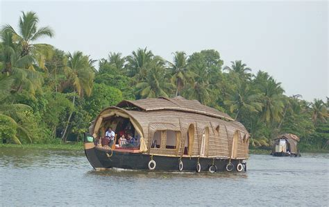 kerala house boats file kerala houseboat jpg wikipedia