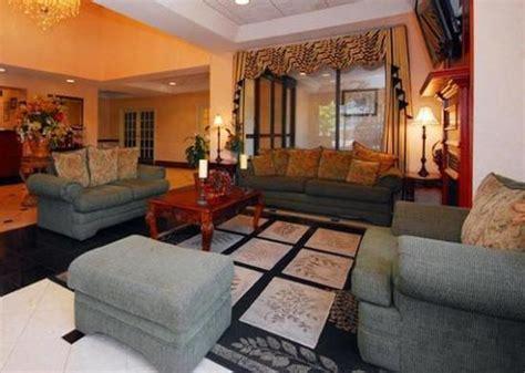 comfort suites galleria lobby