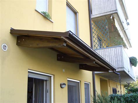 tettoie per finestre in legno progetto installazione pensiline in legno o alluminio