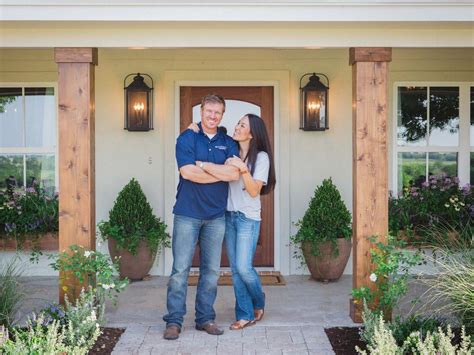 chip and joanna gaines farmhouse address fixer upper 10 things you didn t know about chip and