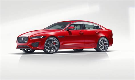 Jaguar Car 2019 by Jaguar Xe 2019 News Prices Specs Details Car Magazine