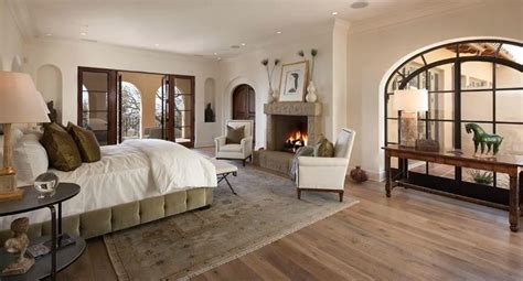 Bedroom Paint Ideas With Hardwood Floors 38 Gorgeous Master Bedrooms With Hardwood Floors