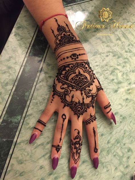 tattoo on hand pinterest rihanna tattoo hand recherche google henna pinterest