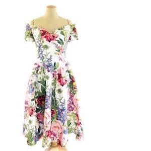 Vintage on etsy vintage 1980s rose floral chintz smocked dress