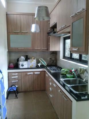 Multiplek Putih kitchen set adbi karya jaya