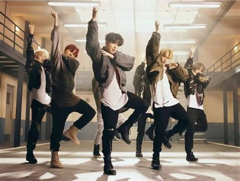 bts mic drop dance bts micdrop bts pinterest steve aoki bts and drop