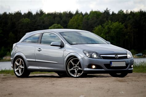 Opel Astra H by Opel Astra H Wolna Encyklopedia
