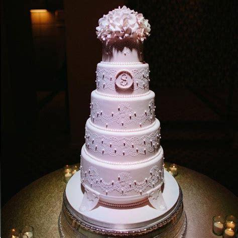 10 Stunning New Wedding Cake Ideas   Weddbook