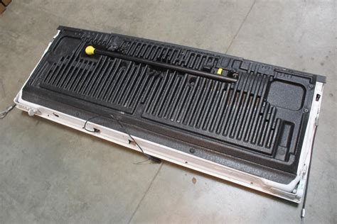 ford super duty truck bed door property room
