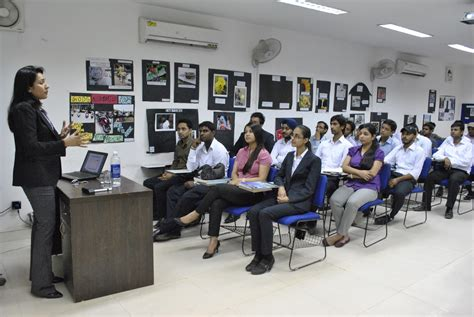 Internship For Mba Students In Lucknow by Top Mba Colleges In Delhi