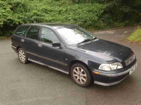 volvo 1999 v40 2 0 se car for sale