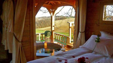 romantic treehouse  hot tub wowow home magazine