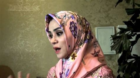 youtube tutorial hijab angel lelga kenakan hijab angel lelga masih simpan baju seksinya youtube