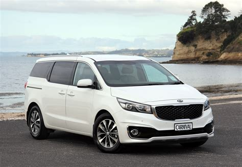 mpv car kia new kia carnival dynamically redefines the mpv 183 new