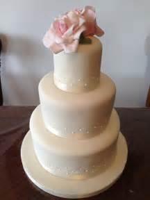 how much is a three tier wedding cake idea in 2017 bella wedding