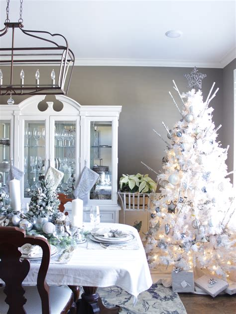 amazing kitchen d 233 cor ideas with fascinating eyesight cute 37 stunning christmas dining room d 233 cor ideas digsdigs