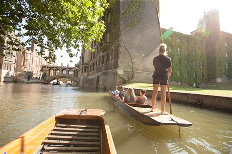 boating holidays cambridge canal boat hire in cambridge