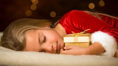 couple sleeping hd wallpaper christmas kid girl sleeping wearing red dress wallpaper