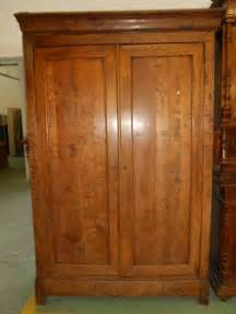 armoire louis philippe noyer massif 224 fontaine meubles