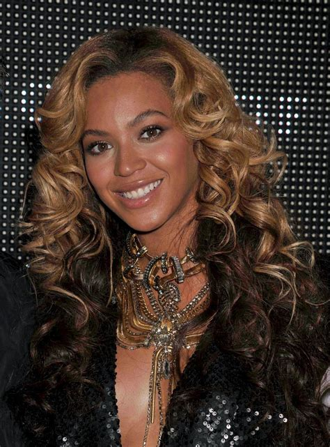 tina knowles hairstyles beyonce knowles long curls beyonce knowles long